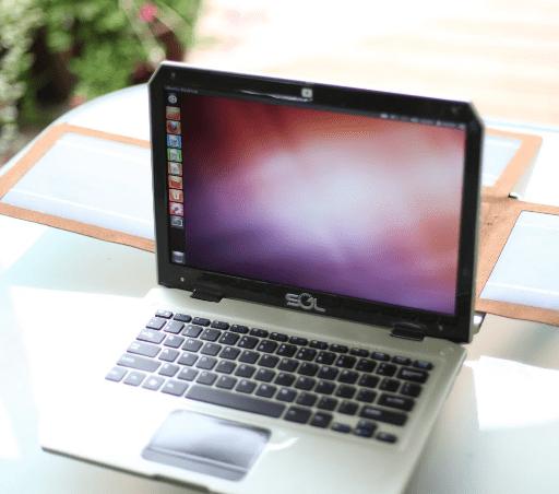 Ноутбук SOL с солнечными батареями